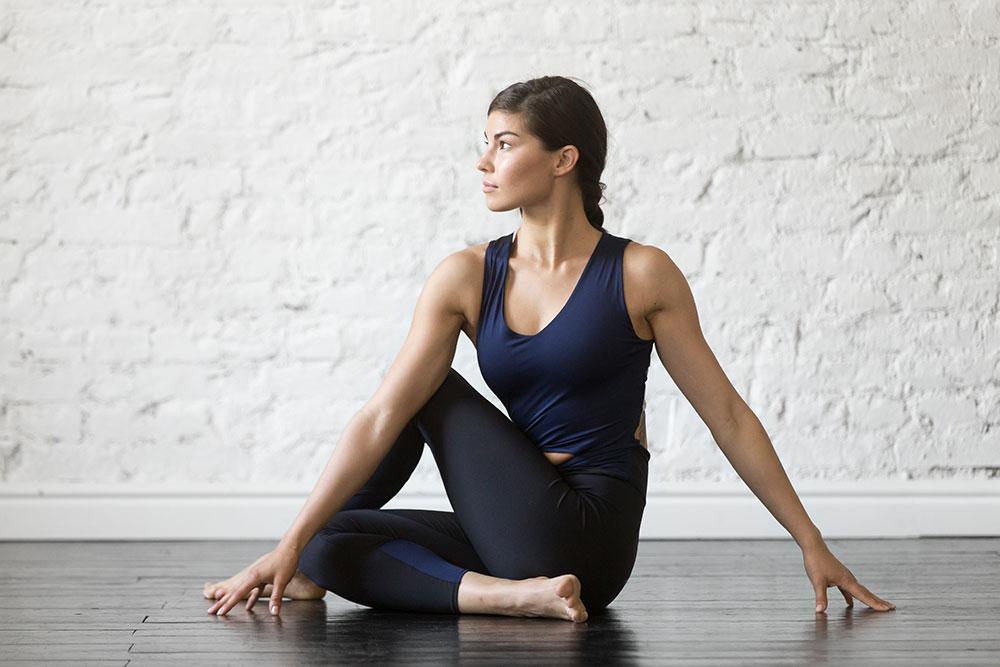 Parivrtta Sukhasana - Seated Twist Pose
