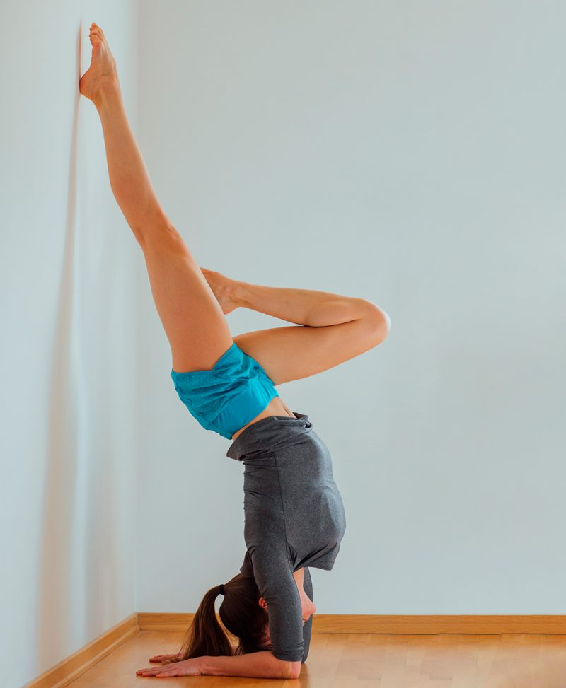 Forearm Balance On The Wall