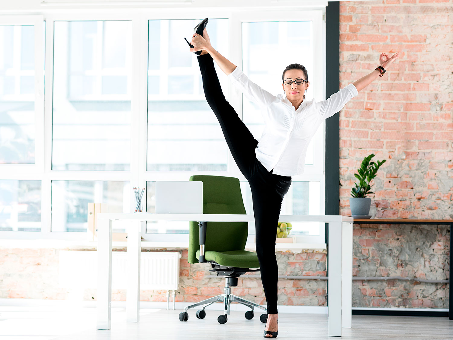 10 Minute Office Yoga At Your Desk Yoga Practice