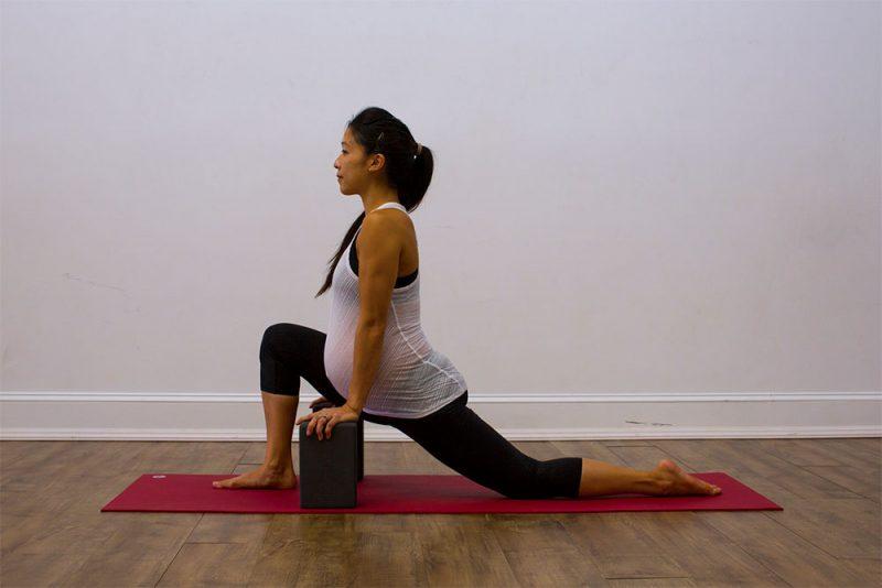 Parivrtta Sanchalasana — Low-Lunge Twist Pose
