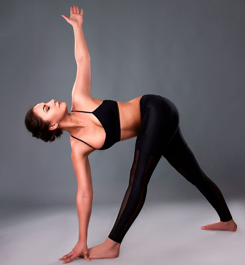 Parivrtta Trikonasana — Revolved Triangle Pose
