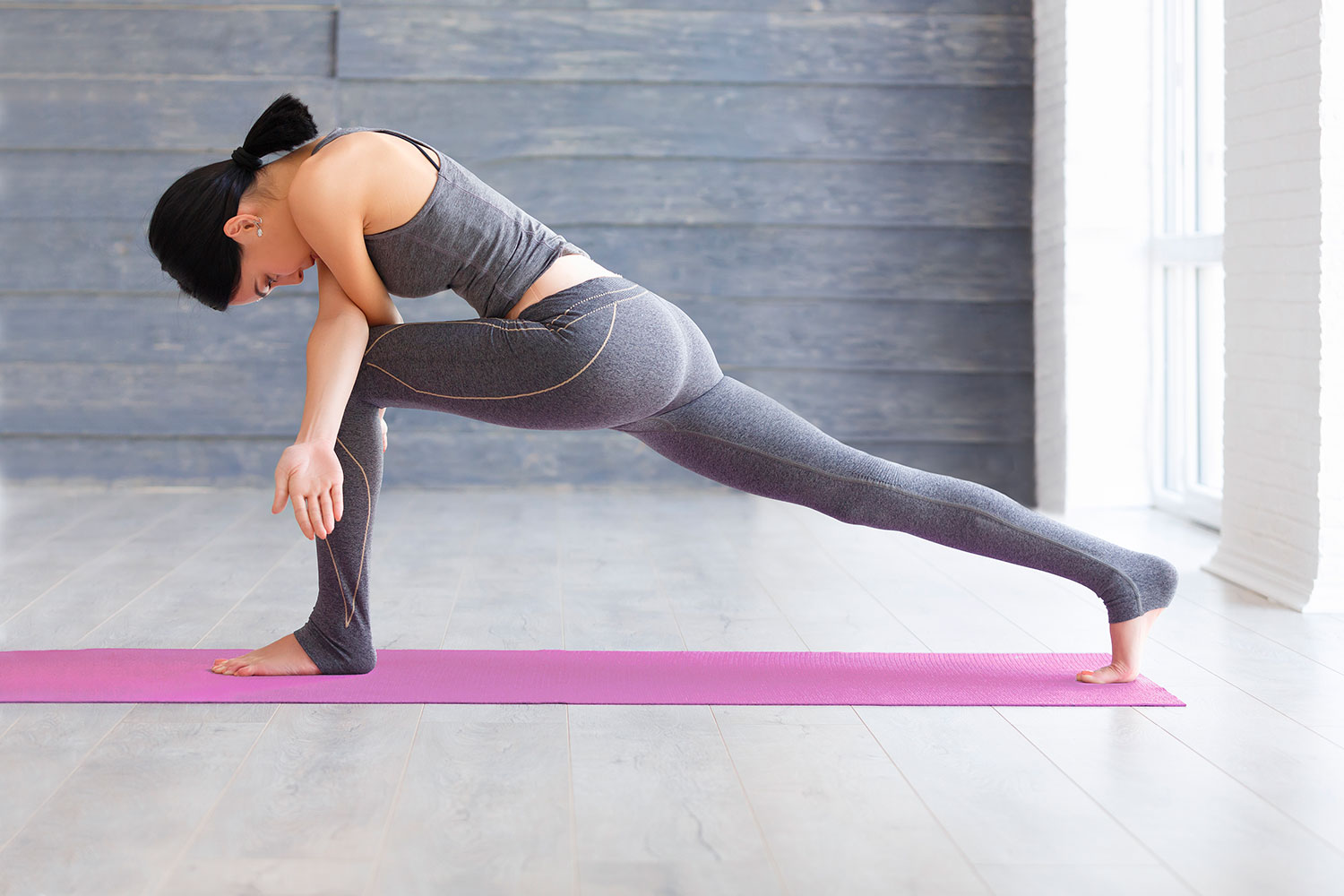 The Best and Worst Yoga Poses for Bad Knees - yoga practice