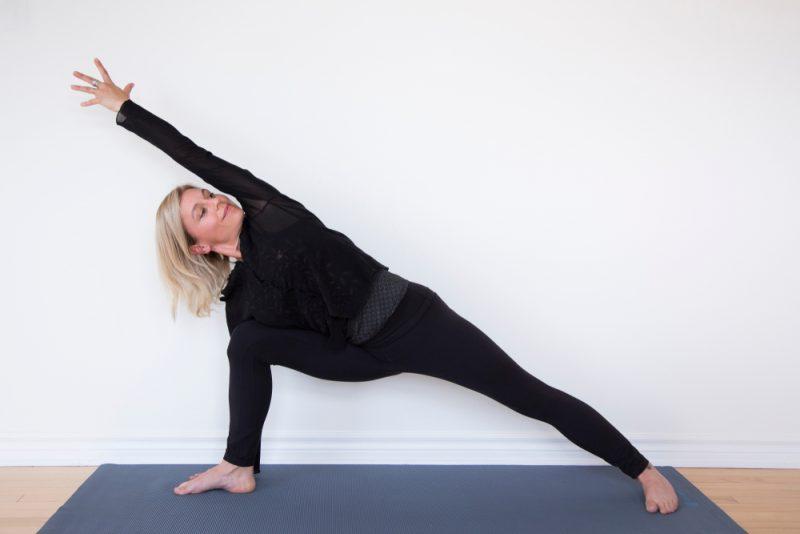 Utthita Parsvakonasana — Extended Side Angle Pose