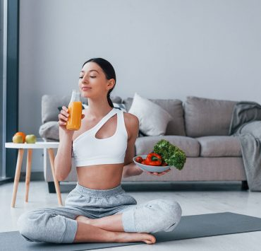 What Is A Yoga Diet? Here Are 7 Things To Look For