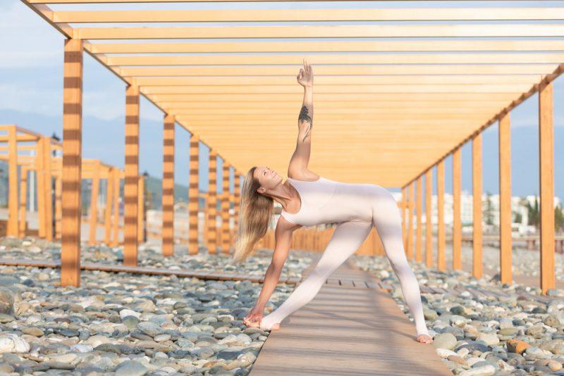 Utthita Trikonasana — Triangle Pose