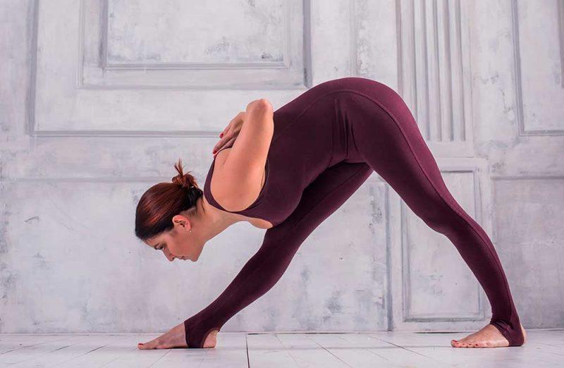 Parsvottanasana Yoga — Pyramid Pose