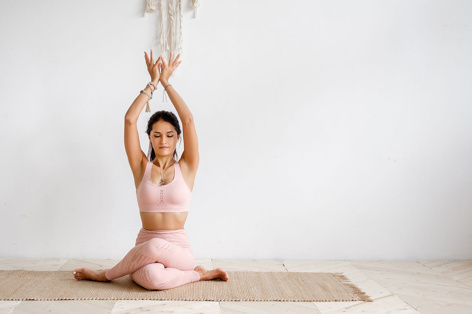 Yoga For Scoliosis: 10 Ways to Use Yoga for Scoliosis