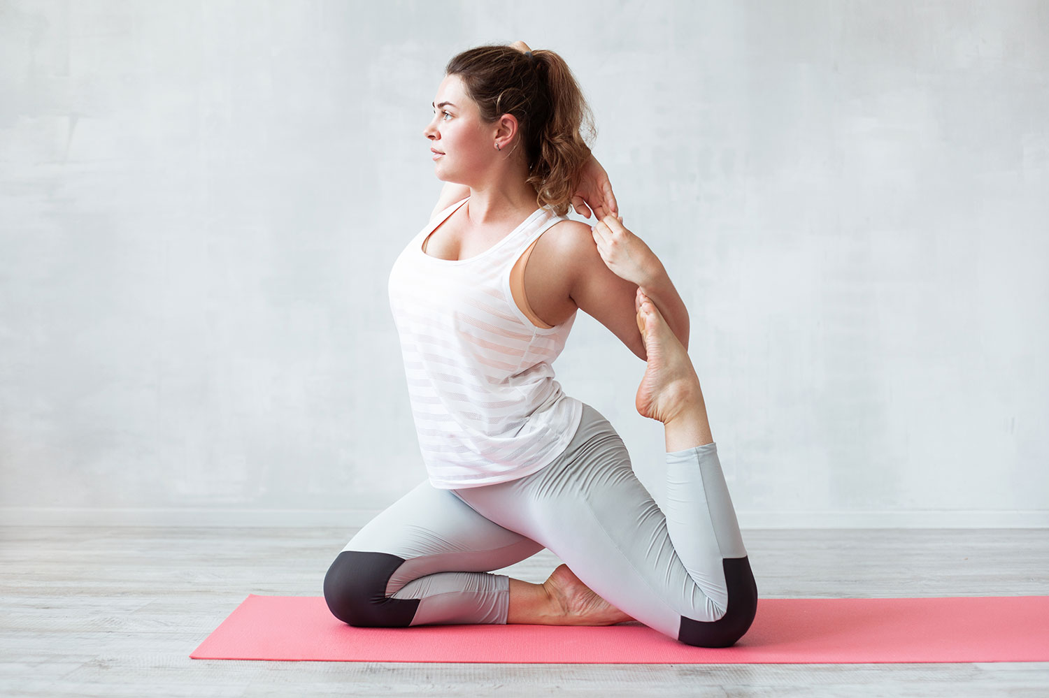 10 Perfect Yoga Poses for Plus-Sized Women