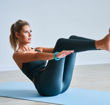 30 Minutes. 15 Yoga Poses. 1 Killer Core Workout