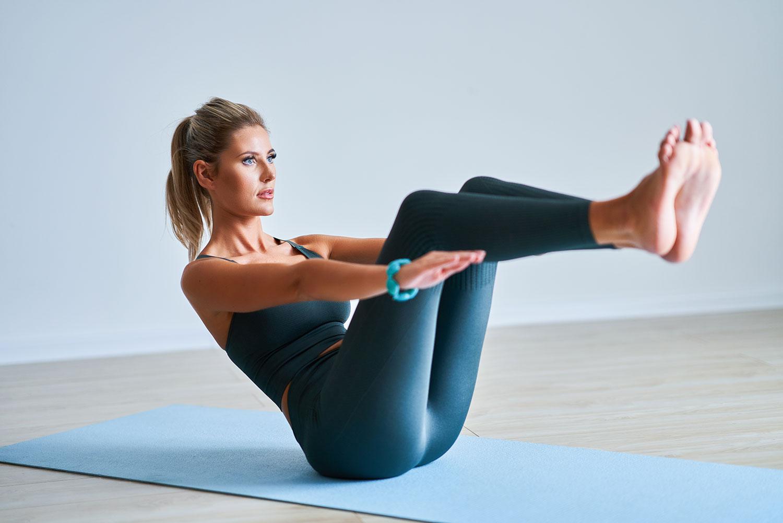 30 Minutes. 15 Yoga Poses. 1 Killer Core Workout