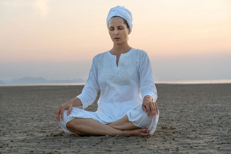 What to Expect in a Kundalini Class