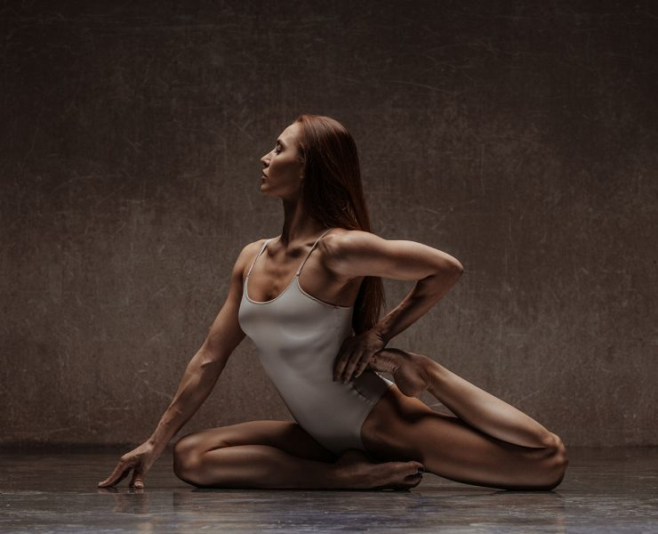 Does Yoga Build Muscle Poses to Replace Strength Training and Sculpt Your Body