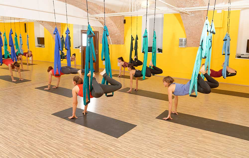 What to Expect in a Yoga Trapeze Classroom