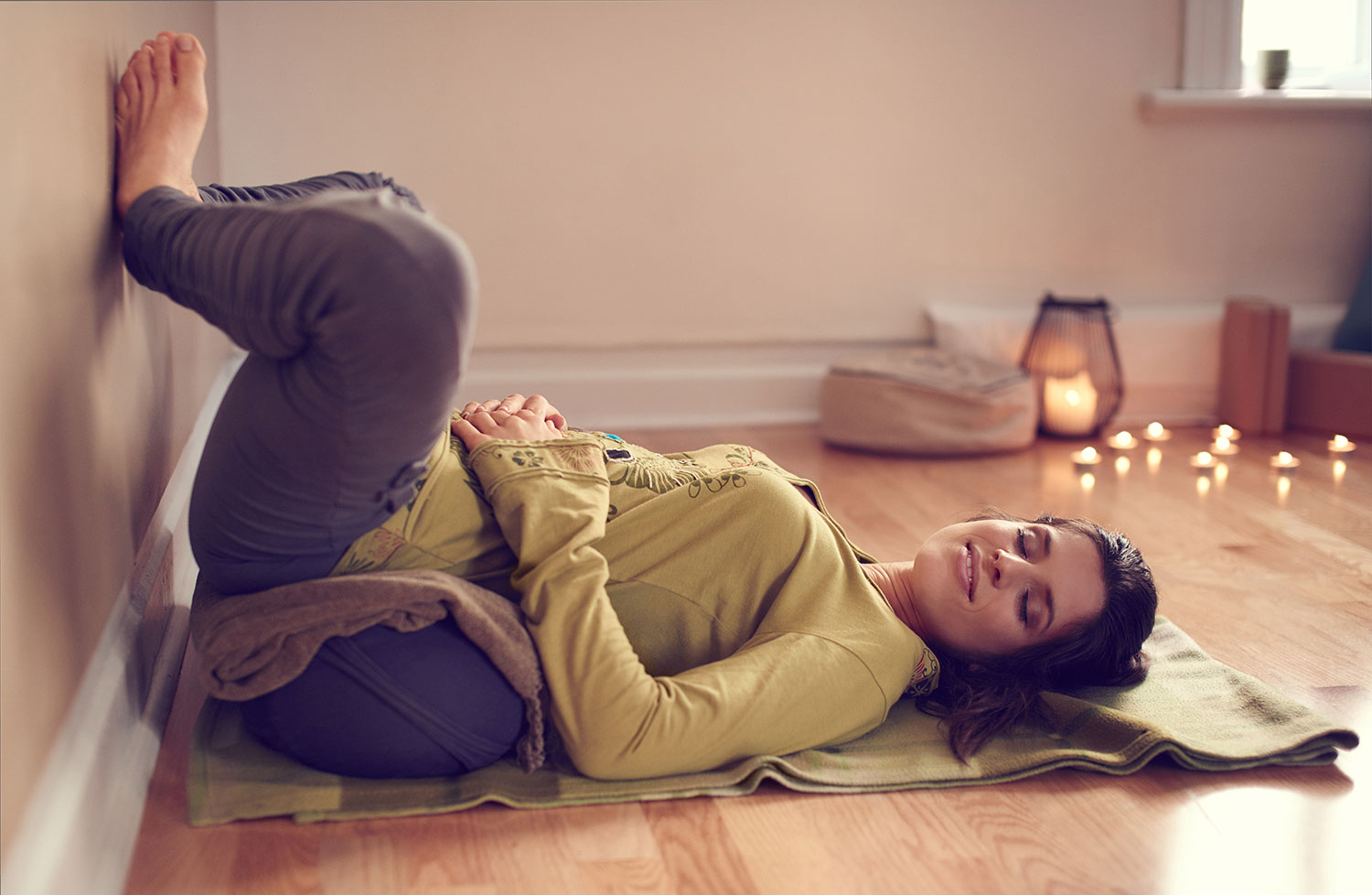 Yoga Blankets Your Guide to Use and Choose the Best One for You