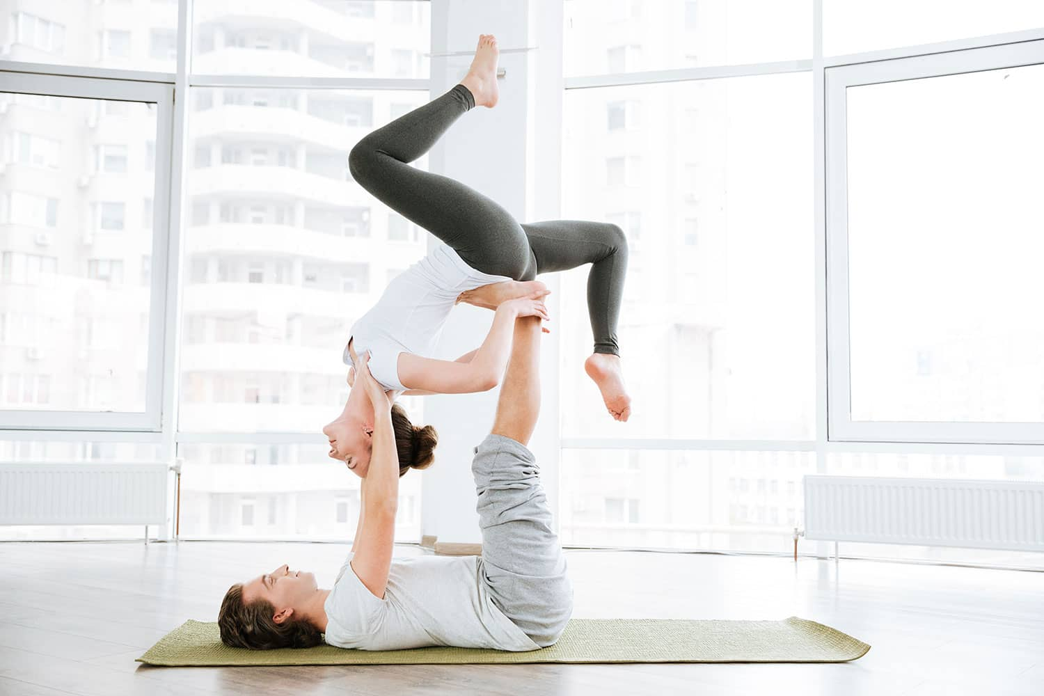 12 Easy Couple Yoga Poses A Step-By-Step Guide To Cultivate Trust
