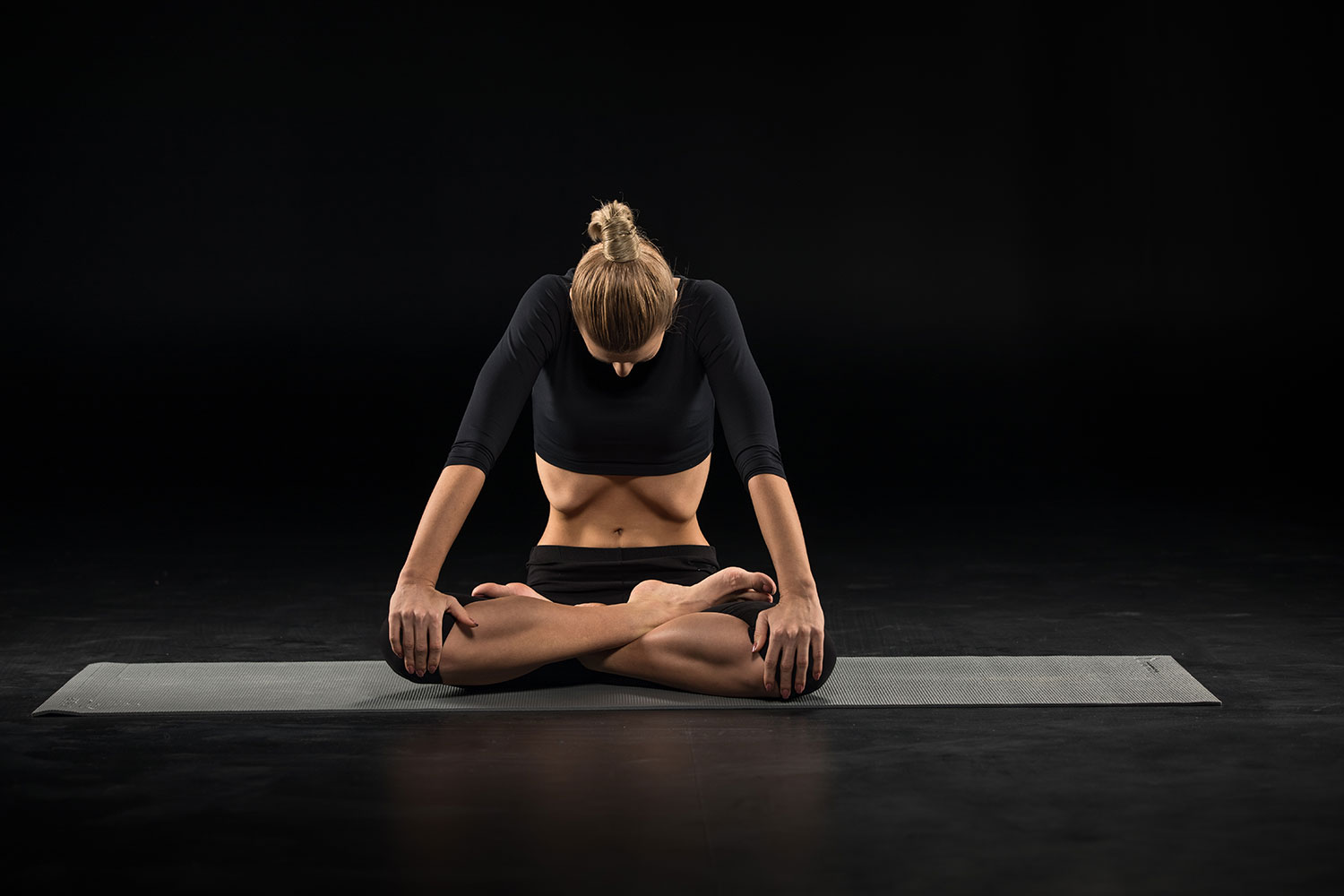 How to Practice Uddiyana Bandha Step by Step Guide to Abdominal Lock