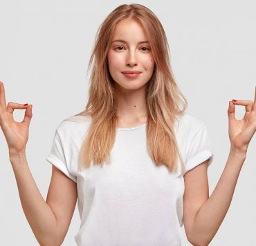 What Is Gyan Mudra 10 Benefits of the Yogic Hand Gesture for Peace