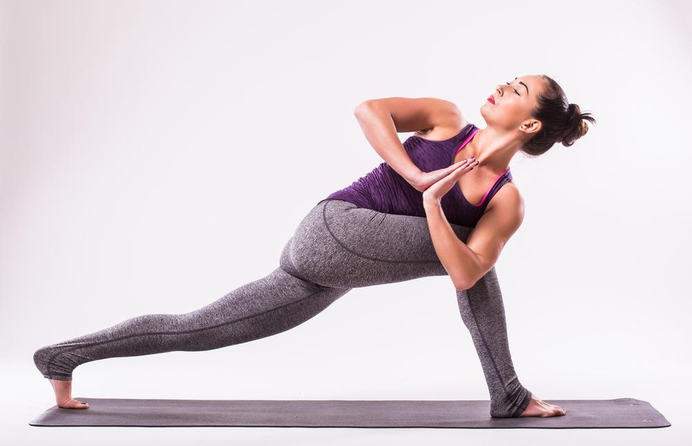 Parivrtta Anjaneysana — Crescent Lunge Twist Pose
