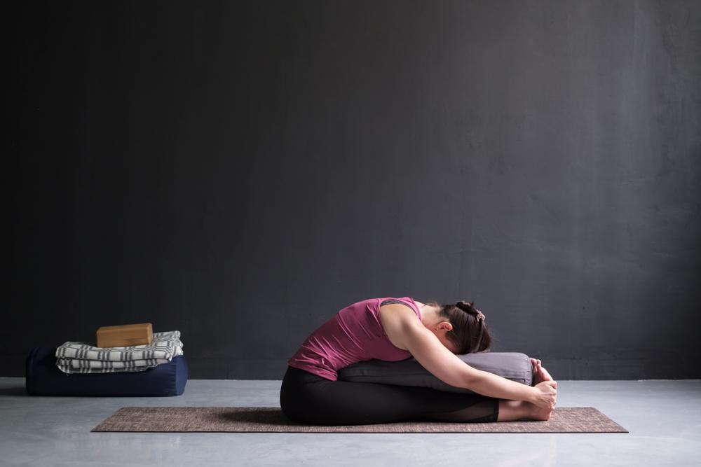 Using Yoga Bolsters
